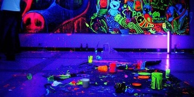 Retrogame party prep: neon glow painting: Panels, Walls, Ceiling, Items,... image